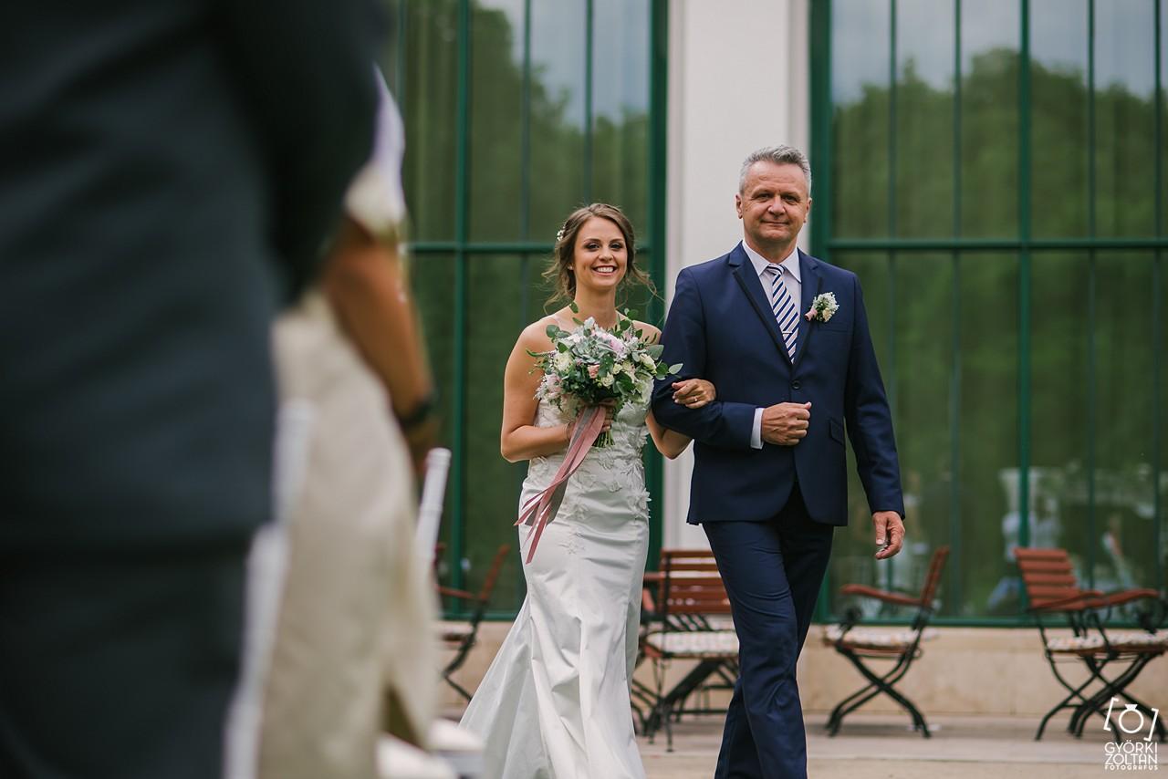 Esküvői fotózás Tatán, a Pálma rendezvényházban